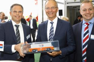 Launch of VDL AGV in mixed traffic at Transport Logistic Munich